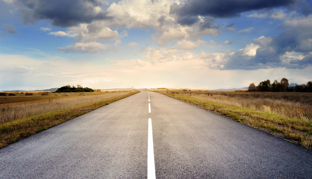 road-2200581